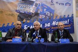 Kamaz-Master, Moscow Sport Motor Tuning Exhibition: team doctor Serguey Bubnovskiy, team boss Semen Yakubov and driver Vladimir Chagin