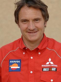 Repsol Mitsubishi Ralliart Team: jefe de equipo, Dominique Serieys