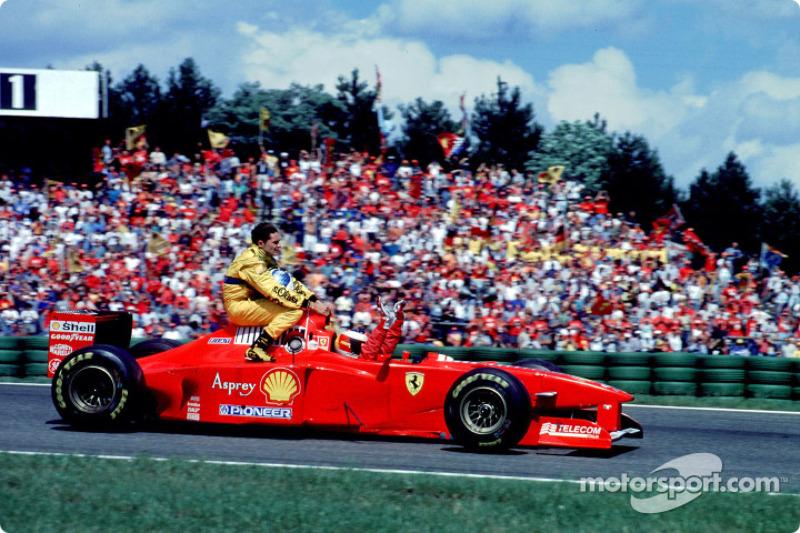 Hockenheim 1997: Michael Schumacher (Ferrari) carica Giancarlo Fisichella (Jordan)