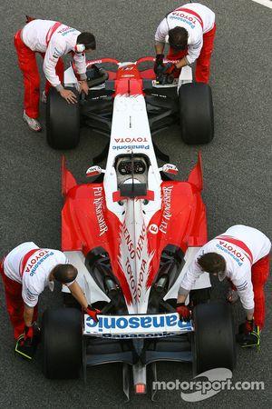 Timo Glock, Toyota F1 Team, TF107, slick tyres