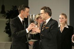 Johannes van Overbeek receives the Porsche Cup