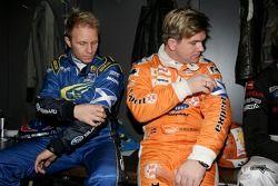 Petter Solberg en Henning Solberg met armband voor Colin McRae