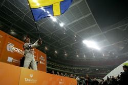 Подиум: победитель Гонки чемпионов Маттиас Экстрём