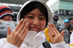 Un fan de Nico Hulkenberg, Sahara Force India F1 con las uñas pintadas