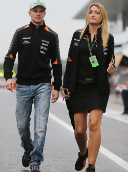 Nico Hülkenberg, Sahara Force India F1, mit Victoria Helyar, Sahara Force India F1 Team