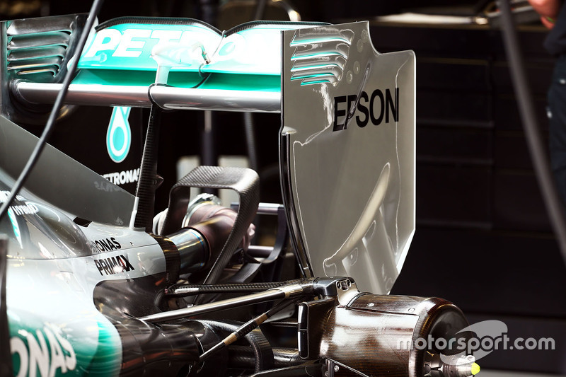 Mercedes AMG F1 W06 arka kanat