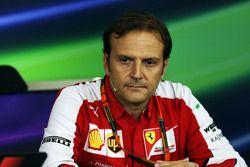 Luigi Fraboni, Ferrari, Leiter Motoreneinsatz, in der FIA-PK