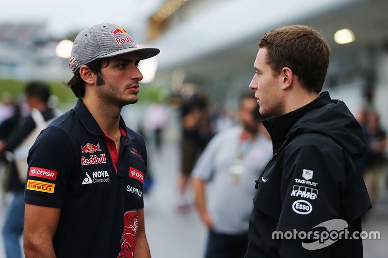 Карлос Сайнс мол., Scuderia Toro Rosso з Штоффель Вандорн, McLaren Тестовий та резервний гонщик