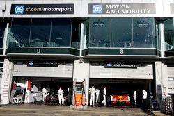 Tom Blomqvist, BMW Takımı RBM BMW M4 DTM ve Augusto Farfus, BMW Takımı RBM BMW M4 DTM
