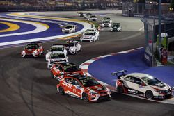 Gianni Morbidelli, Honda Civic TCR, West Coast Racing and oriola lead the group