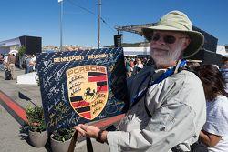 Gesigneerde gedenkplaat van Porsche Rennsport Reunion V