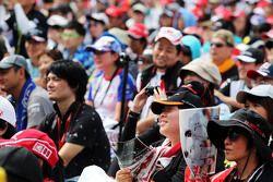 Los aficionados en el estadio