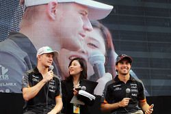 Nico Hulkenberg, Sahara Force India F1 y compañero de equipo, Sergio Pérez, Sahara Force India F1 co