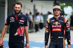 Carlos Sainz Jr., Scuderia Toro Rosso con Sam Village, Scuderia Toro Rosso