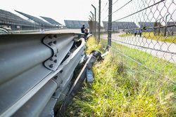 WTCC上海站护栏损坏