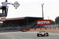 Оливер Роуленд, Fortec Motorsports побеждает