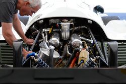 Classic Porsche mechanicals
