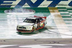 Yarış galibi Ryan Blaney, Penske Ford Takımı