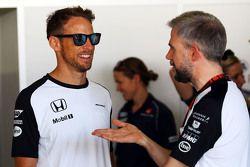 Jenson Button, McLaren con Steve Cooper, McLaren jefe de prensa