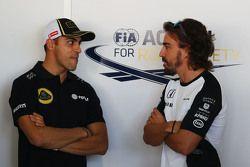 Pastor Maldonado, Lotus F1 Team con Fernando Alonso, McLaren