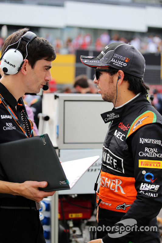 Sergio Perez, Sahara Force India F1 with Tim Wright, Sahara Force India F1 Team Race Engineer on the