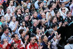 Equipos en el podium