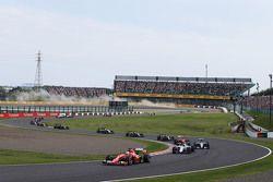 Sebastian Vettel, Ferrari SF15-T al inicio de la carrera