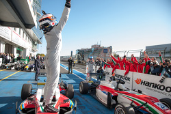 Felix Rosenqvist, Prema Powerteam Dallara F312 - Mercedes-Benz gana y se lleva el campeonato 2015.