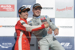 Podium: ganador, Felix Rosenqvist, Prema Powerteam, segundo lugar, Lance Stroll, Prema Powerteam