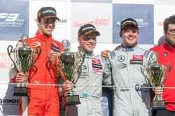 Podium: ganador, Felix Rosenqvist, Prema Powerteam, segundo lugar, Lance Stroll, Prema Powerteam, te