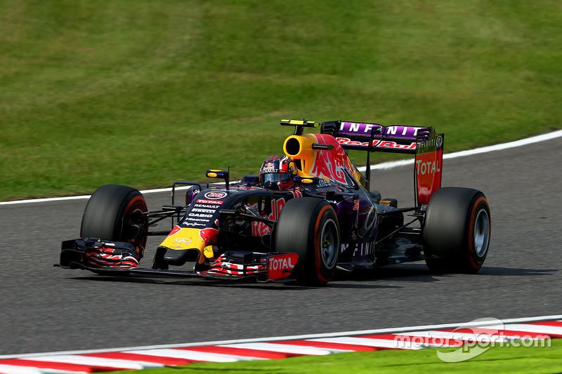 2015 год. За рулем болида (RB11) по ходу гонки