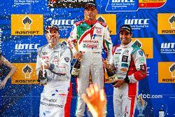 Podium: race winner Yvan Muller, Citroën C-Elysee WTCC, Citroën World Touring Car team, second place