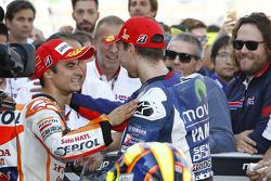 Segundo lugar Dani Pedrosa, Repsol Honda Team y el ganador Jorge Lorenzo, Yamaha Factory Racing