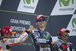 Podio: primo, Jorge Lorenzo, Yamaha Factory Racing, secondo Dani Pedrosa, Repsol Honda Team, terzo Valentino Rossi, Yamaha Factory Racing