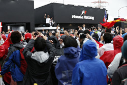 Fernando Alonso, McLaren waves to the crowd