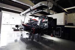 The McLaren Honda MP4-30 of Fernando Alonso, McLaren in the garage