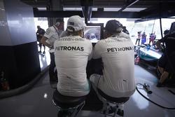Lewis Hamilton, Mercedes AMG F1 Team with Nico Rosberg, Mercedes AMG F1