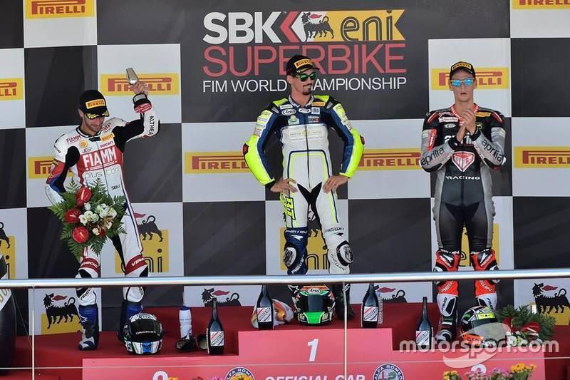 Podio: il vincitore Roberto Tamburini, MotoXRacing, il secondo classificato, Raffaele De Rosa, Althea Racing, il terzo classificato Lorenzo Savadori, Nuova M2 Racing Team