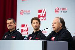 Günther Steiner, Teamchef Haas F1 Team, Romain Grosjean, Haas F1 Team, und Gene Haas, Besitzer Haas