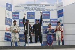 Podio Gara 1 1a divisione: i vincitori Stefano Valli e Vincenzo Montalbano, Zerocinque Motorsport, i