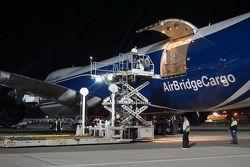 Boeing 747 с грузами команд Ф1 в аэропорту Сочи