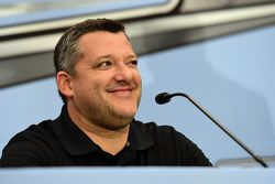 Tony Stewart, Stewart-Haas Racing announces his retirement