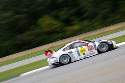 #912 Porsche North America Porsche 911 RSR : Jörg Bergmeister, Earl Bamber, Frederic Makowiecki