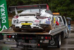Crashed #912 Porsche Team North America Porsche 911 RSR: Jörg Bergmeister, Earl Bamber, Frédéric Mak