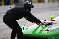 #333 Rinaldi Racing Ferrari 458 Italia mechanic