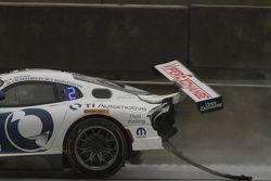 Damaged car of #33 Riley Motorsports SRT Viper GT3-R: Ben Keating, Jeroen Bleekemolen, Sebastiaan Bl