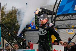 Kazanan Regan Smith, JR Motorsports Chevrolet