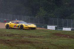 #4 Corvette Racing Chevrolet Corvette C7.R: Oliver Gavin, Tommy Milner in the grass