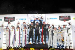 PC podium: winners Mike Guasch, Tom Kimber-Smith, Andrew Palmer, peringkat kedua Mike Hedlund, Renge