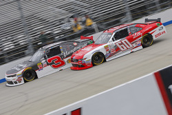 Chris Buescher, Roush Fenway Racing Ford y Ty Dillon, Richard Childress Racing